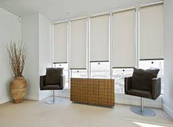 Top roller blinds dealers and suppliers in Hyderabad